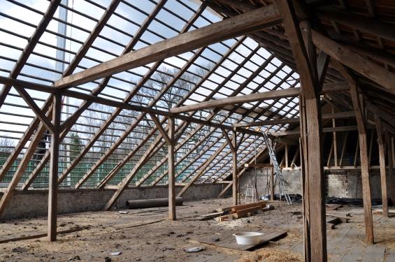 Umdeckung und Dachstuhl erneuert