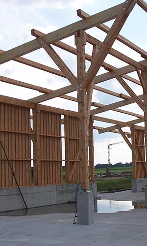 Holzbau Hallenbau